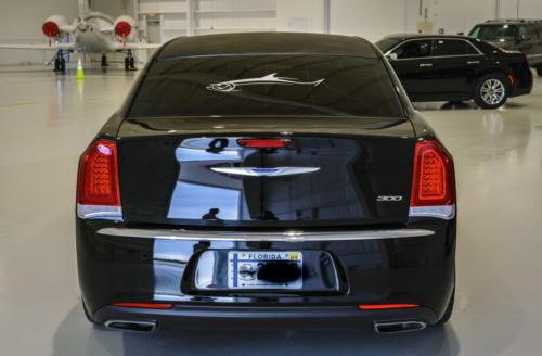 Chrysler 300 Stretch Limousine Black for 8-10 2