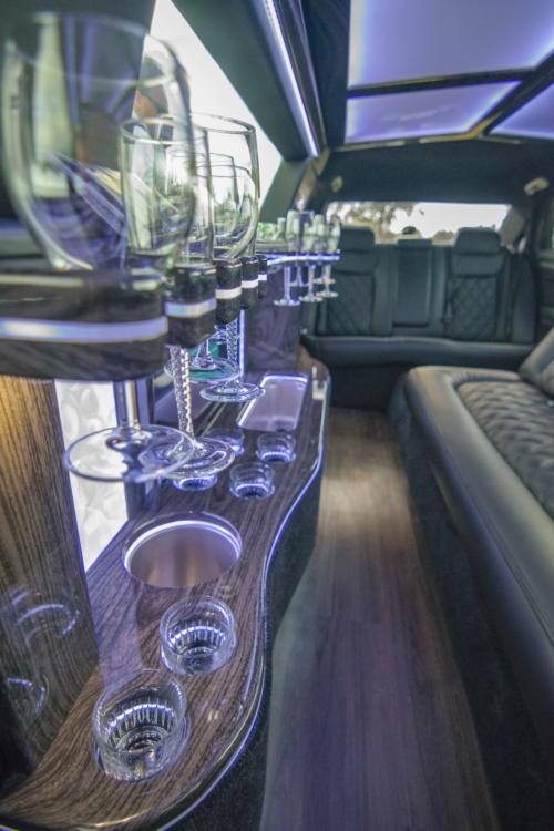 Chrysler 300 Stretch Limousine Black for 8-10 1